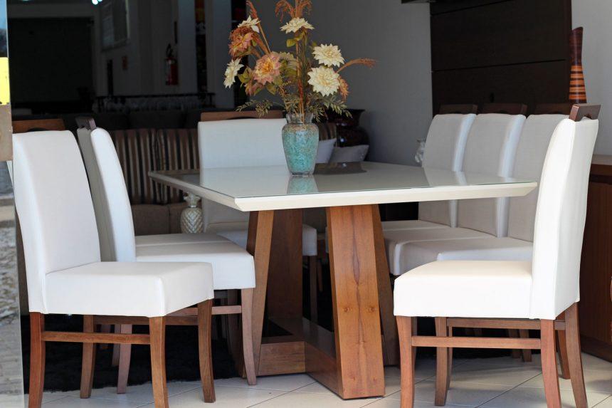 Mesa egg e cadeiras Rayssa
